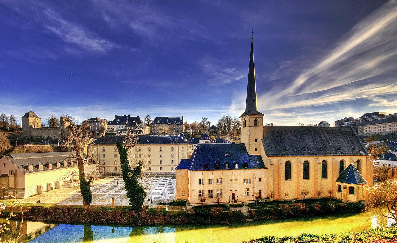 1280px-Luxembourg_Abbaye_de_Neumünster.jpg
